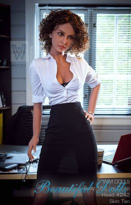 Brylin:French sex doll in office