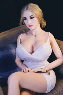 Leyla sex doll